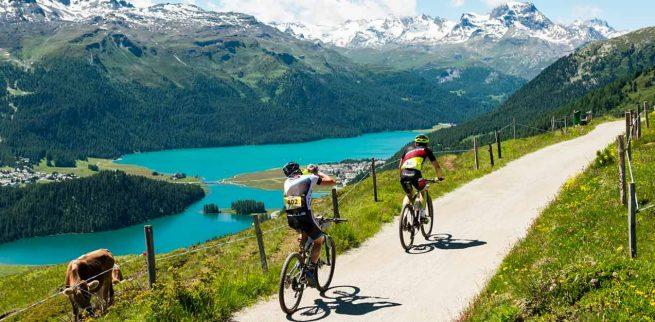 Bici de carretera en el lago de Silvaplana
